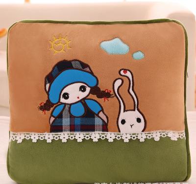 Bộ chăn gối 2 trong 1 hình cô gái dễ thương( xanh)